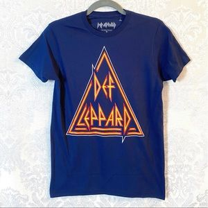 Def Leppard Logo Graphic Band T-Shirt Size L NWOT